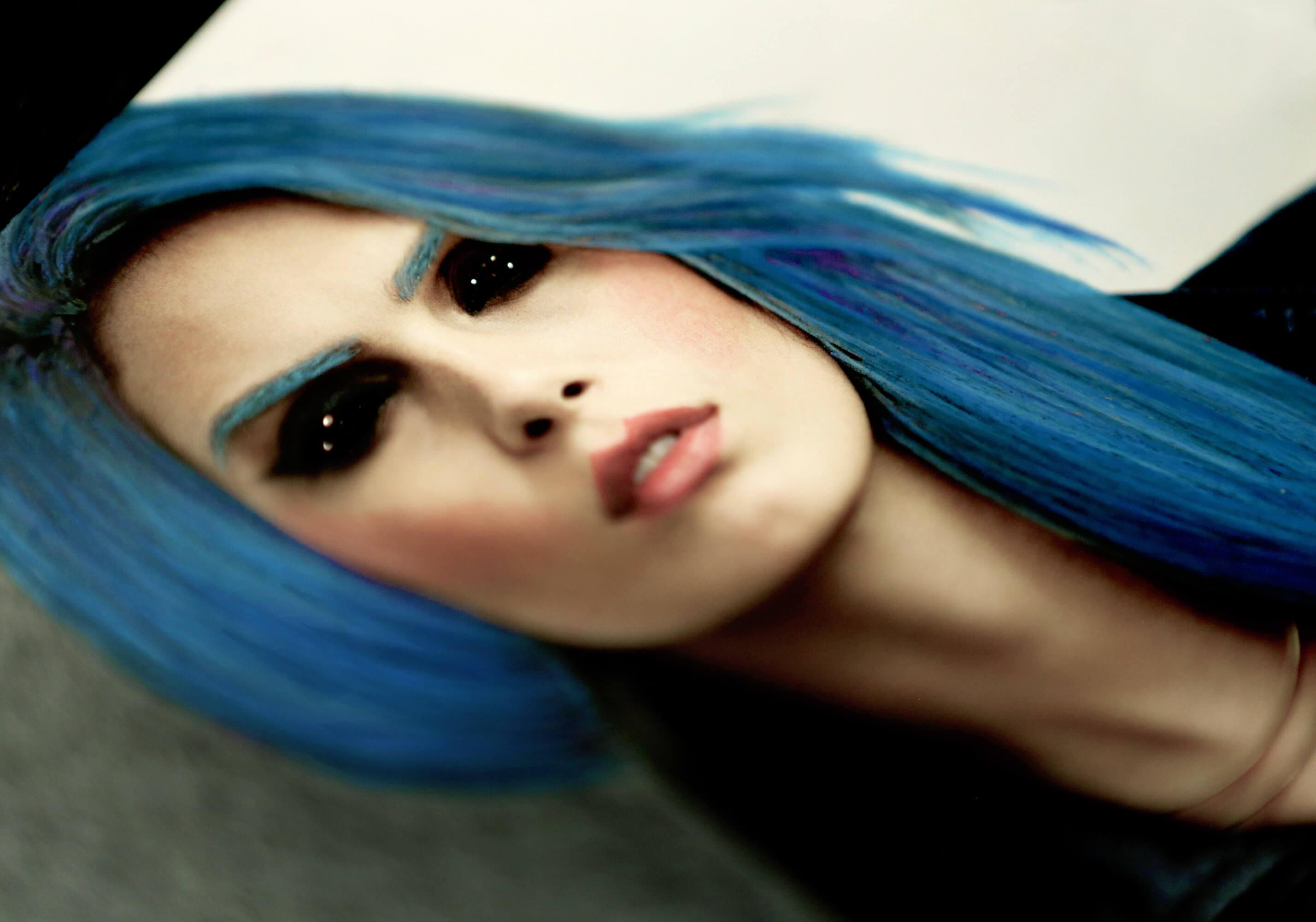 12_BlueHair_01